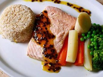 Alimentos ricos em Ômega 3 como o salmão é bom para os atletas - Foto: Fernando Vivas   Ag. A TARDE