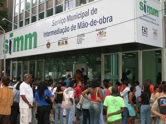 Do total de ofertado, 20 vagas são para montador de esquadrias de alumínio - Foto: Eduardo Martins   Ag. A TARDE