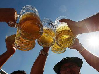 Medida autoriza uso de matérias-primas como mel, chocolate e especiarias na produção de cerveja - Foto: Agência Reuters