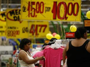 Compras sem planejamento são uma prática comum entre os brasileiros - Foto: Raul Spinassé   Ag. A TARDE