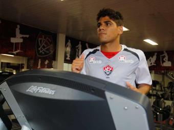 Com desfalques de Victor Ramos e de Nino Paraíba, Daniel Borges deve ser titular contra o Botafogo - Foto: Lúcio Távora | Ag. A TARDE