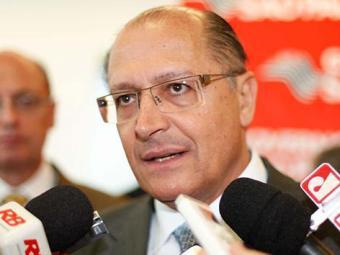 Alckmin considera importante oferecer mais segurança jurídica aos servidores - Foto: AE