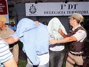 Dois soldados estão presos após envolvimento em uma briga que resultou em tiros e quatro feridos - Foto: Diego Mascarenhas   Ag. A TARDE