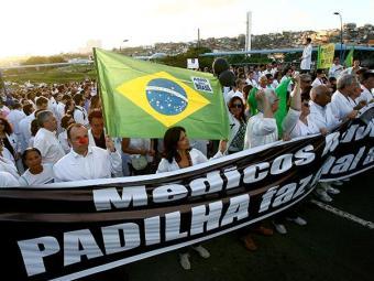 Médicos protestaram em várias cidades - Foto: Fernando Amorim | Ag. A TARDE