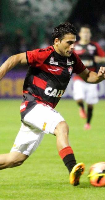 Artilheiro isolado do Brasileirão, Maxi abre o placar em Curitiba, mas o Leão fica no empate - Foto: Joka Madruga | Futura Press