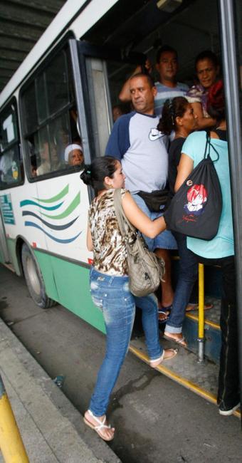 Cada passageiro custa em média R$ 2,80 por Km - Foto: Marco Aurélio Martins   Ag. A TARDE
