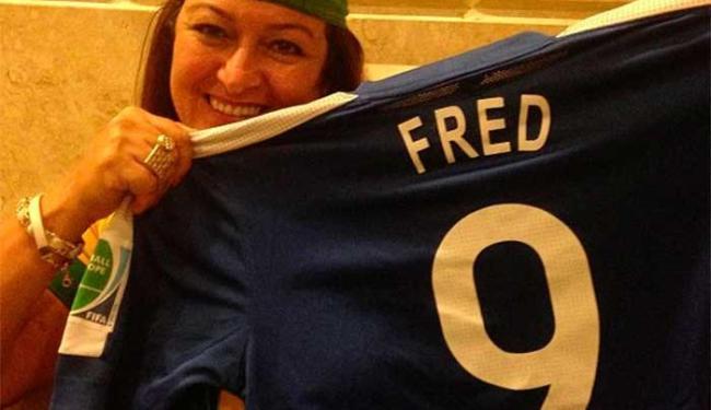 Neymar publica foto da mãe com camisa de Fred - Foto: Reprodução | Instagram