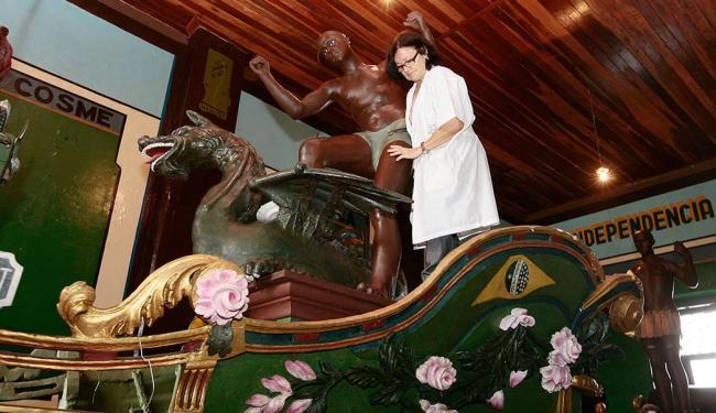 Principais símbolos do cortejo, os caboclos passaram por restauração - Foto: Mila Cordeiro   Ag. A TARDE