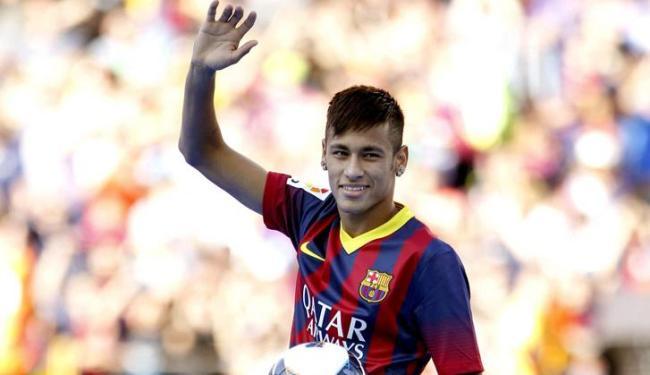 Barça gastou 60 milhões de euros por Neymar, mas pode abrir o cofre para reforçar a defesa - Foto: Toni Albir / Agência EFE