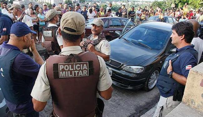 Polícia ainda busca suspeitos de ter assassinado Alex de Jesus Souza - Foto: Joá Souza | Ag. A TARDE