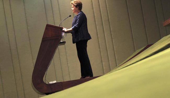 Dilma já indicou que abrirá mão do pacto que propôs na semana passada - Foto: Ueslei Marcelino   Reuters