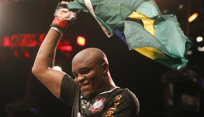 Possível superluta entre Anderson Silva e Jon Jones é muito aguardada pelos fãs do MMA - Foto: Felipe Dana / Agência AP