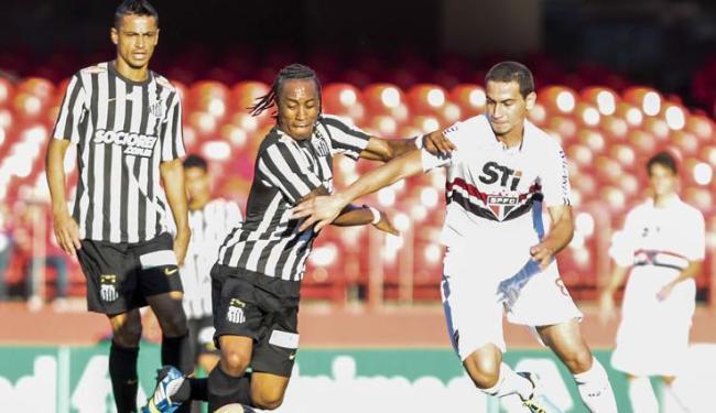Triunfo do Santos tirou o time da zona de rebaixamento e o levou à décima colocação, com oito pontos - Foto: MIGUEL SCHINCARIOL/ESTADÃO CONTEÚDO