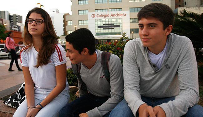 Larissa, Elton e Pedro consideram justas as reivindicações, mas lamentam o prejuízo ao cronograma - Foto: Margarida Neide l Ag. A TARDE