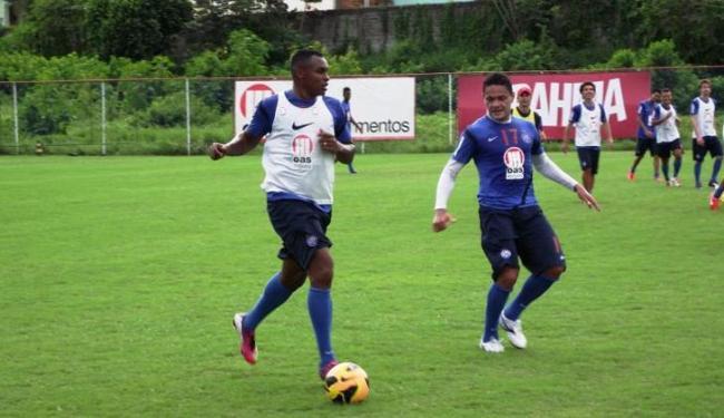 Obina está entre os relacionados para o jogo; Hélder treinou mas não viaja - Foto: Esporte Clube Bahia / Divulgação