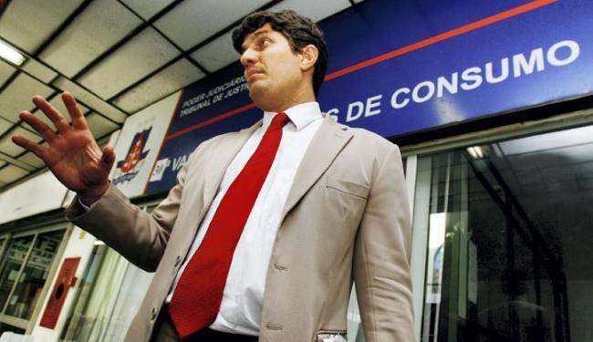 Carlos Rátis esteve em vários locais para levantar a lista de sócios do clube - Foto: Marco Aurélio Martins | Ag. A Tarde