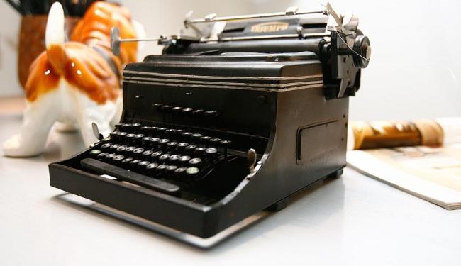Velhas máquinas voltam a ser usadas - Foto: Mila Corrdeiro   Ag. A TARDE