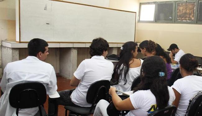 Uma amostra de estudantes do último ano do curso vão realizar a avaliação, segundo o Inep - Foto: Néia Rosseto | Arquivo | Ag. A TARDE