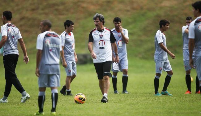 Caio Júnior deverá manter a mesma formação do time que enfrentou o Goiás - Foto: Raul Spinassé / Ag. A TARDE