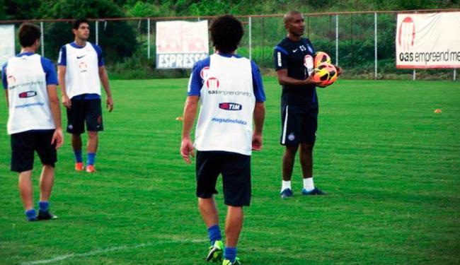 Cristóvão comandou treino de toque de bola em campo reduzido - Foto: Esporte Clube Bahia | Divulgação