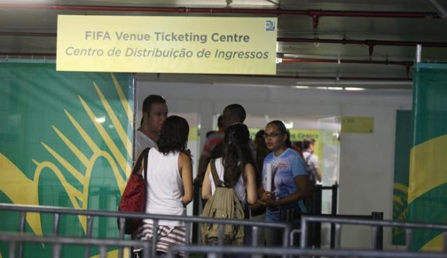 Uma das ações será aumentar os postos de distribuição de ingressos; alguns serão nos aeroportos - Foto: Edilson Lima/ Ag A Tarde