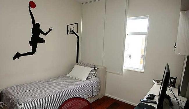 Adesivos dão charme à decoração do quarto - Foto: Mila Cordeiro | Ag. A TARDE