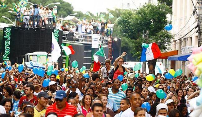 Jovens fizeram caminhada do Campo Grande à Praça da Sé em louvor a Deus - Foto: Fernando Vivas   Ag. A TARDE