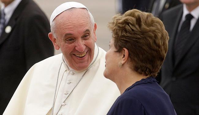 Papa encontra Dilma e autoridades no Palácio Guanabara - Foto: Pilar Olivares   Reuters