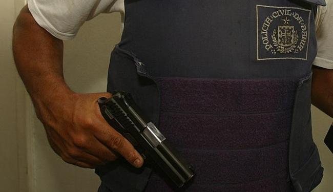 Foram adquiridas 602 pistolas ponto 40 por agentes civis, de 2007 até esta segunda, 22 - Foto: Rejane Carneiro   Arquivo   Ag. A TARDE