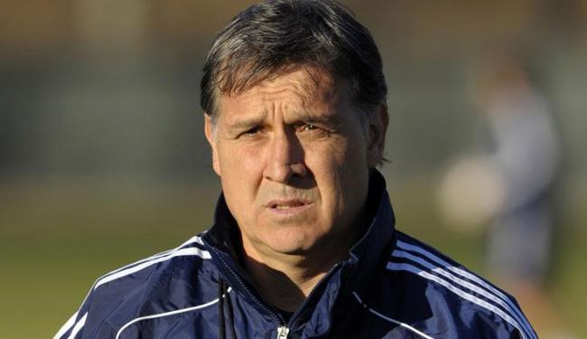 Técnico argentino levou o Paraguai às quartas da Copa de 2010; seu último time foi o Newell's - Foto: JUAN MABROMATA / Agência France Presse