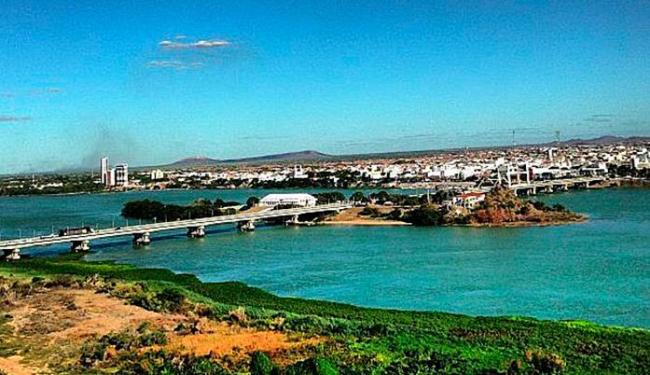 Rio São Francisco e ponte entre as cidades de Petrolina-PE e Juazeiro-BA - Foto: Reprodução   Instagram