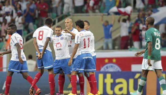 Marquinhos Gabriel comemora o primeiro dos dois gols feitos no triunfo do Bahia sobre o Goiás - Foto: Eduardo Martins | Ag. A Tarde