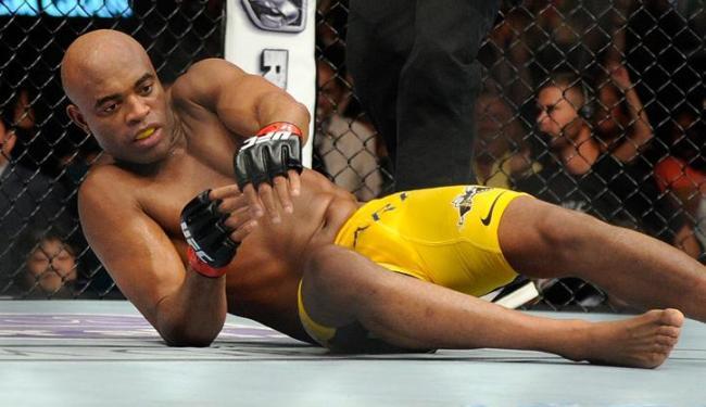 O ex-campeão dos pesos médios admite que houve falha na preparação para a luta contra Weidman - Foto: David Becker / Agência AP