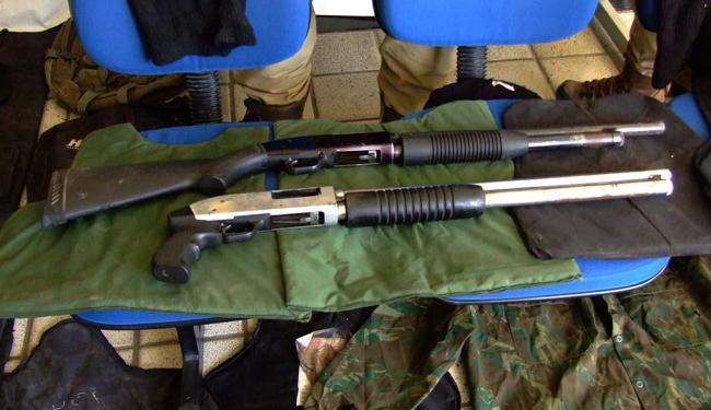 Armas foram encontradas no interior de um veículo - Foto: Ascom | Policia Militar