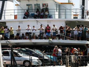 Vereador diz que ferry ficou parado após leme quebrar - Foto: Gildo Lima | Ag. A TARDE