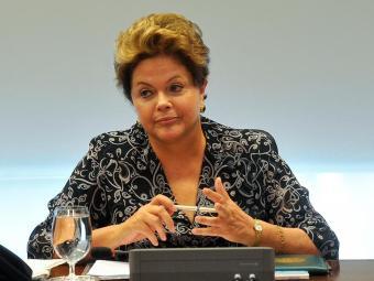 Dilma avalia que é melhor investir em mobilidade urbana nas grandes capitais - Foto: Antonio Cruz   Agência Brasil