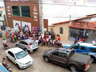 Frente do supermercado onde aconteceu o acidente - Foto: Divulgação | Portal FM e Brumado Agora