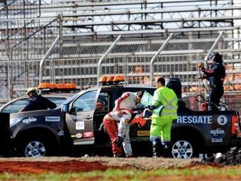 Após o acidente, o piloto saiu do carro aparentemente sem problemas - Foto: Duda Bairros l Vicar