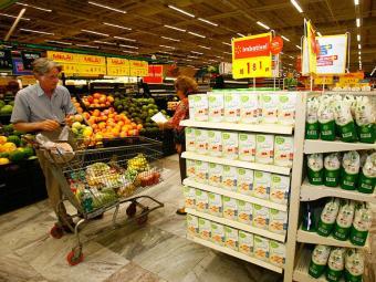 Hiper vendia produtos com validade vencida e estragados - Foto: Iracema Chequer | Ag. A TARDE