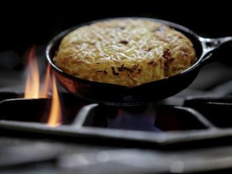 Pratos com Bacon feitos pelo Restaurante Doc na Pituba - Foto: Raul Spinassé| Ag. A TARDE