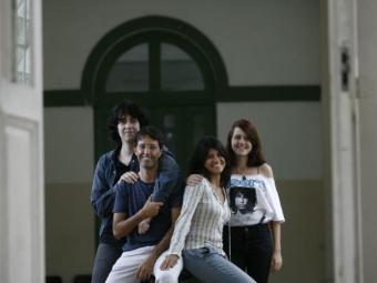 Pedro, Cláudio, Marília e Sophia no Central, uma das locações - Foto: Raul Spinassé| Ag. A TARDE