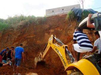 Escavação irregular provocou desmoronamento na BR-420 - Foto: Reprodução | Almeida Notícias