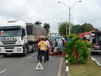 Testemunhas dizem que acidente foi causado por motociclista que fugiu do local - Foto: Reprodução | Acorda Cidade