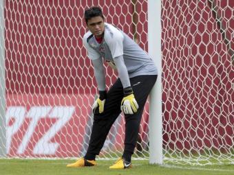 O goleiro Gustavo é um dos seis seis jogadores saídos da base do Vitória em campo contra o Coritiba - Foto: Eduardo Martins   Ag. A Tarde