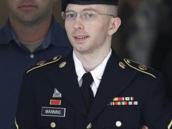 Os advogados apresentaram evidências da luta de Manning com sua identidade - Foto: Agência Reuters