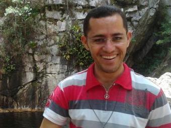 O padre baiano Gerônimo Moreira anuncia que largará batina - Foto: Reprodução   Facebook