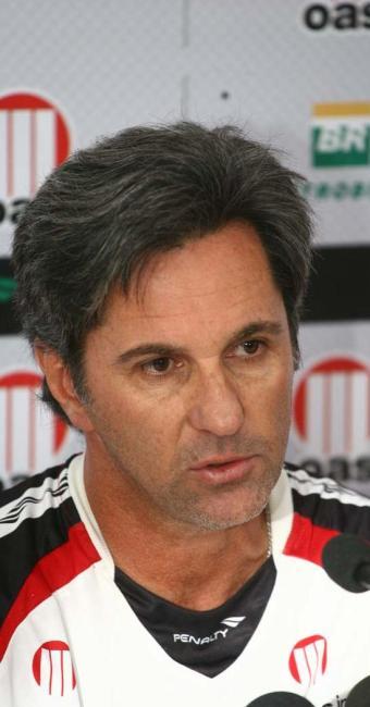 Treinador rubro-negro pede apoio da torcida para que Vitória volta a vencer no Brasileirão - Foto: Fernando Amorim | Ag. A TARDE