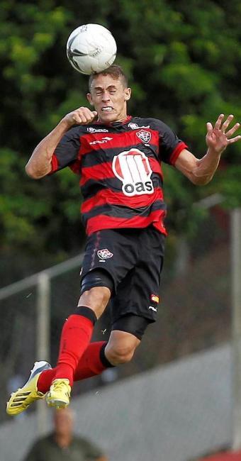 Gabriel Paulista será improvisado mais uma vez na lateral direita - Foto: Marco Aurelio Martins   Ag. A TARDE