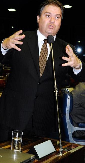 Gim Argello (DF) é um dos parlamentares que pediram selos - Foto: Moreira Mariz | Arquivo | Agência Senado