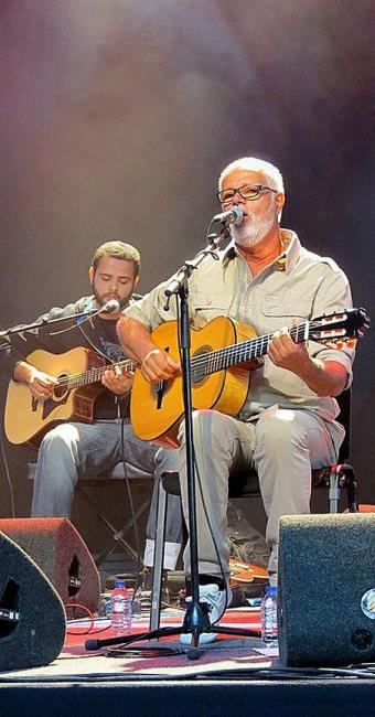 Roberto Mendes abriu a noite de festa pelos 10 anos da Aebran - Foto: Divulgação   Clarissa Borges/Aebran